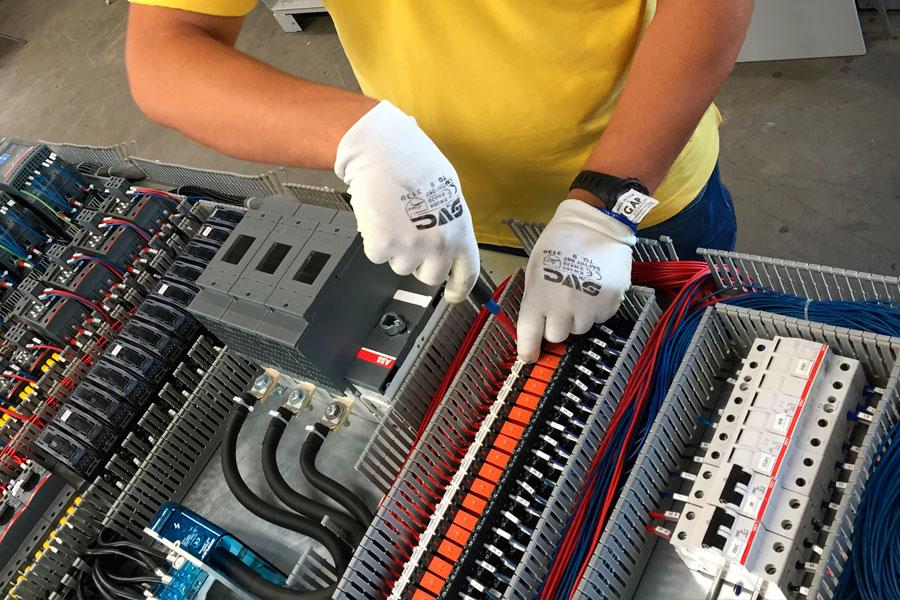 Operatore dei sistemi elettrico elettronici